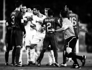 http://realmadrid.footballfantalk.com/wp-content/blogs.dir/45/files/fc-barcelona-3-2-real-madrid-17-august-2011supercopa/supercopa10.jpg